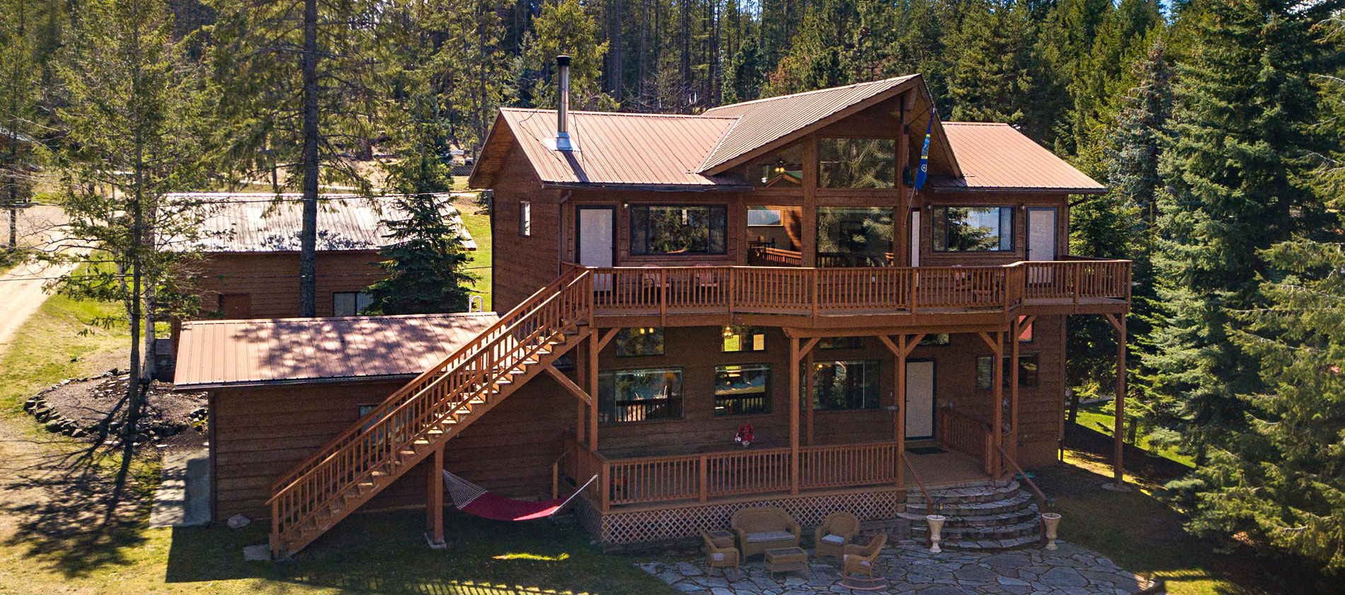 LAKEFRONT/VIEW HOME ON 1.02ACRE W/95FF OF DEEP WATER ON THE PRISTINE SHORES OF LAKE PEND OREILLE