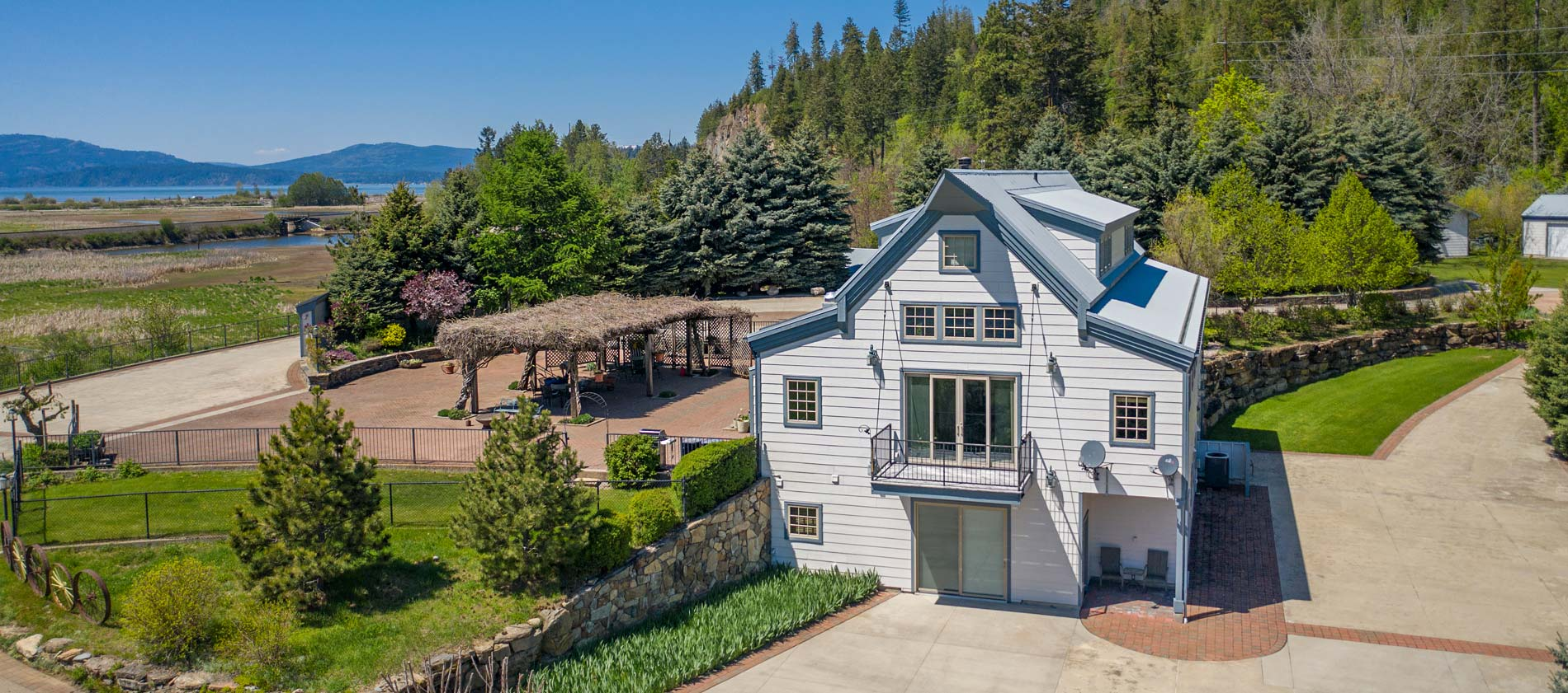Large Clark Fork, Idaho Estate - Turtle Landing for sale